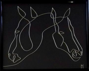 Încă 2 cai– desen-sculptură în fir continuu de sârmă de 1 mm 20180712_101416-1